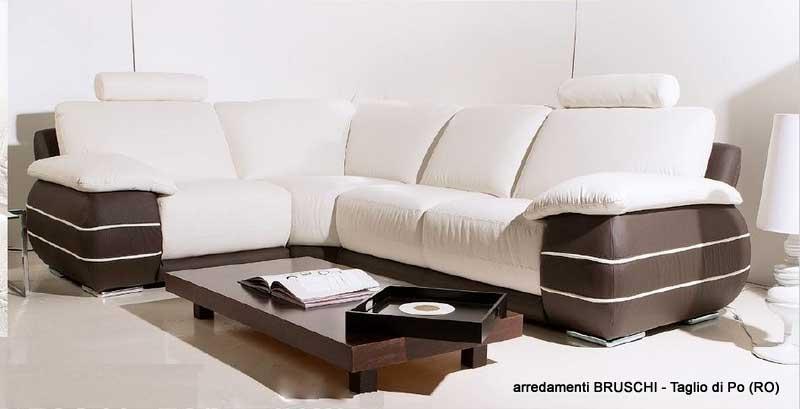 Salotto moderno moby angolo arredamenti bruschi for Bruschi arredamenti